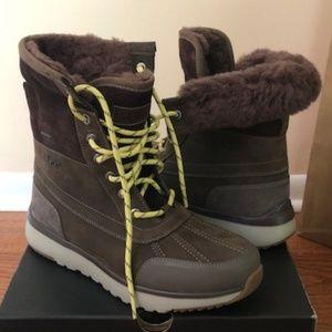 UGG Eliasson Waterproof Brown Boot. Size: 8, 10